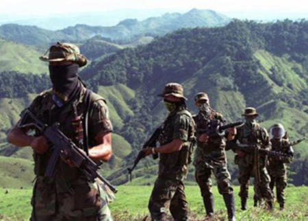 Paramilitares ocupan comunidad Embera